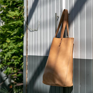 The Horween Tote - Natural Essex