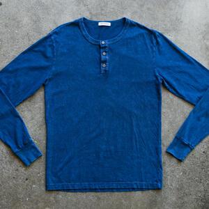 Mineral Wash Henley - Blue